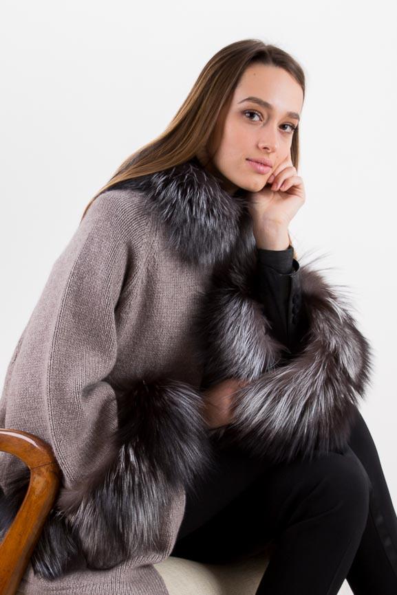 long-cashmere-wrap-fur-arte-dei-mercatanti