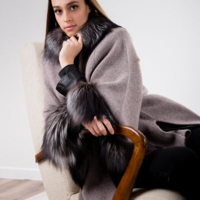long-cashmere-wrap-fur-arte-dei-mercatanti