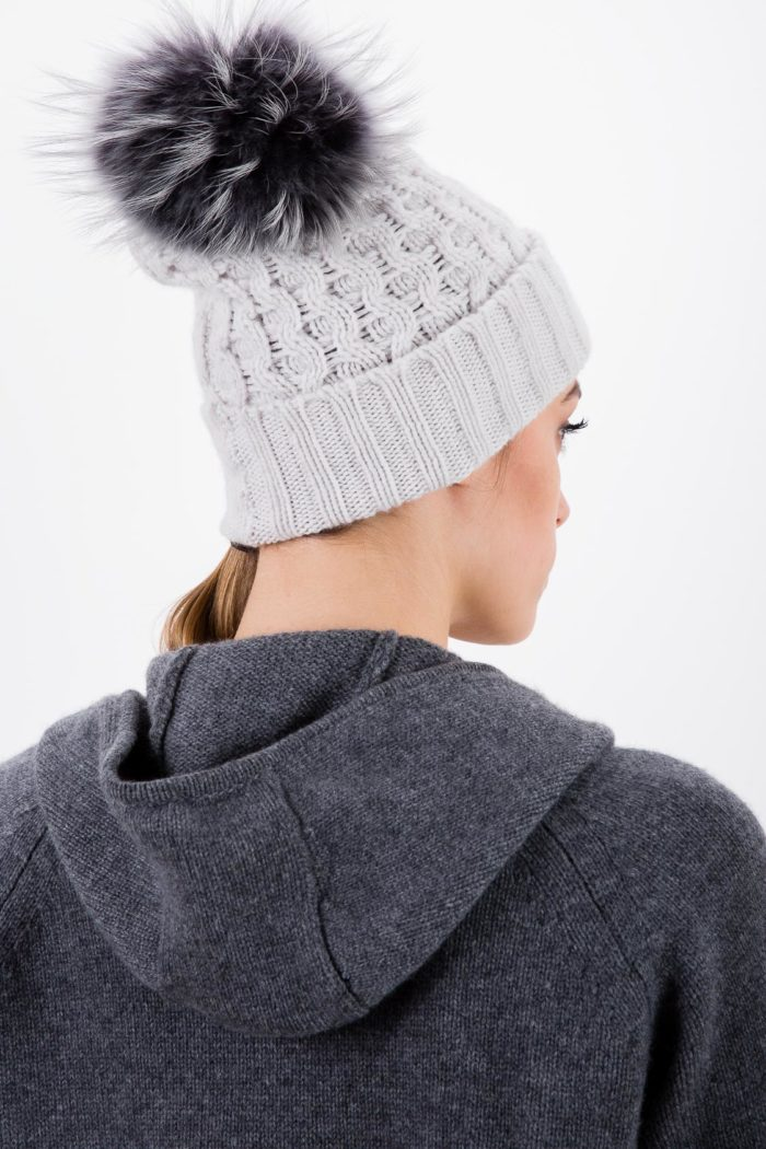 cappello-ponpon-alabastro