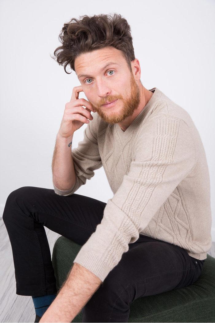 v-neck-cashmere-sweater-arte-dei-mercatanti